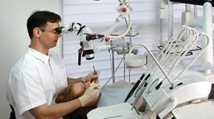 טיפול שורש עם מיקרוסקופ מאפשר וודאות. אין סימני שאלה...